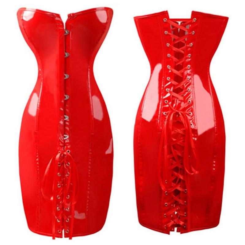 Röd lack korsettklänning, korsettsnörning hela vägen i rygg och ner över rumpa. Korsetten har hyskor och skenor.